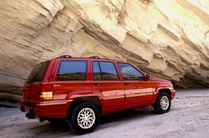 Chrysler recalls Jeep Cherokee and Liberty