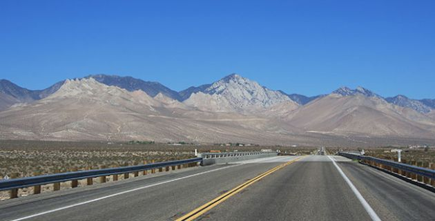 Get High And Low Along California S Extreme Stretch Of Route 395