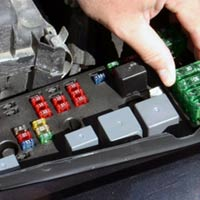 442 Changing a Fuse changing a fuse dmv org how to check fuse box in car at couponss.co